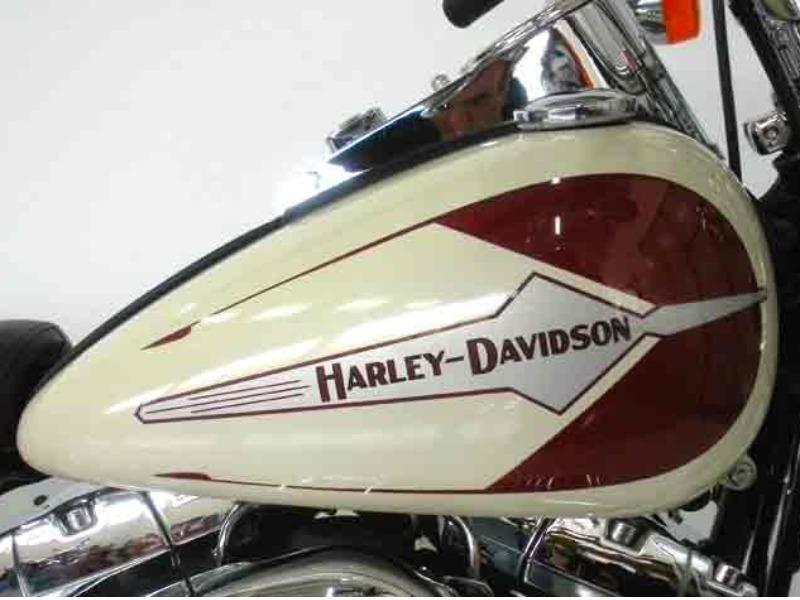 HARLEY DAVIDSON HERITAGE SPRINGER (FLSTS) 30° YEAR STILE